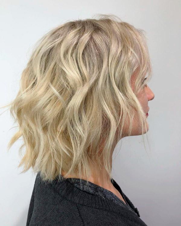 Волнистый короткий блонд