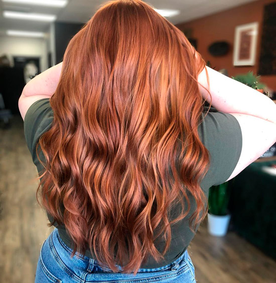 Длинные волосы оттенка медного заката