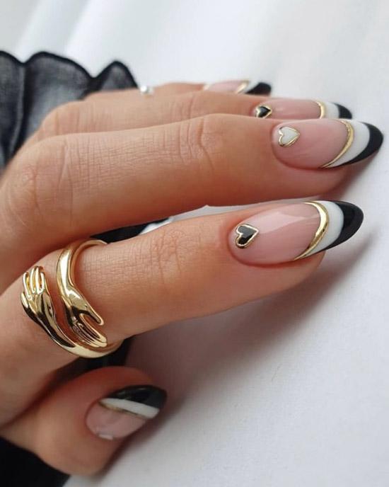 Черно белый френч с золотой полосой и сердцем на овальных ногтях
