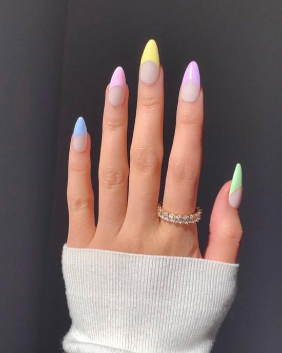 Френч в пастельных оттенках на длинных ногтях