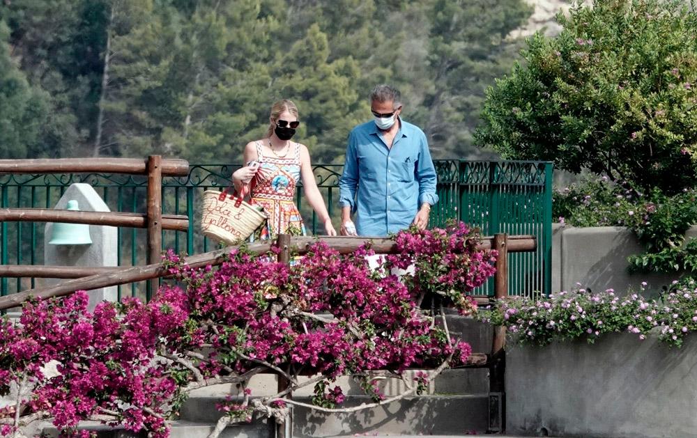 Леди Китти Спенсер с мужем во время медового месяца