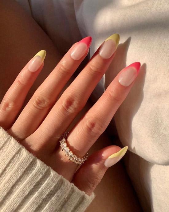 Розово желтый френч на острых ногтях средней длины