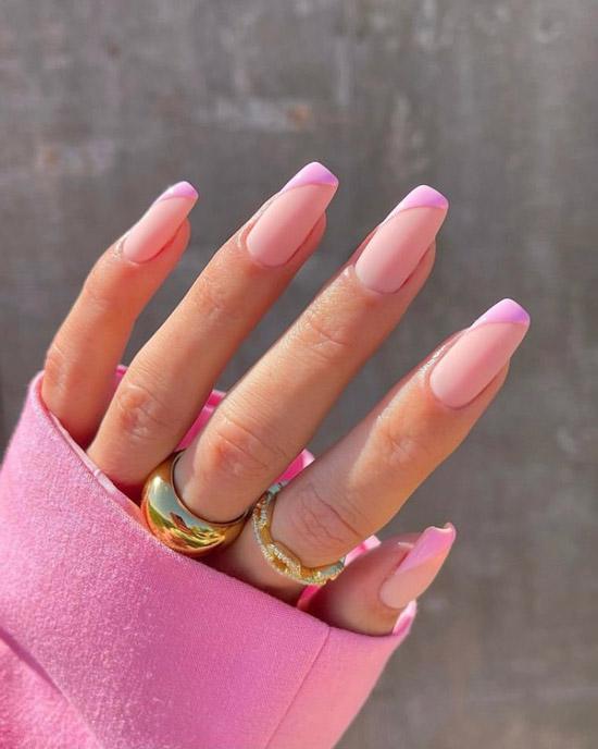 Розовый диагональный френч на длинных квадратных ногтях