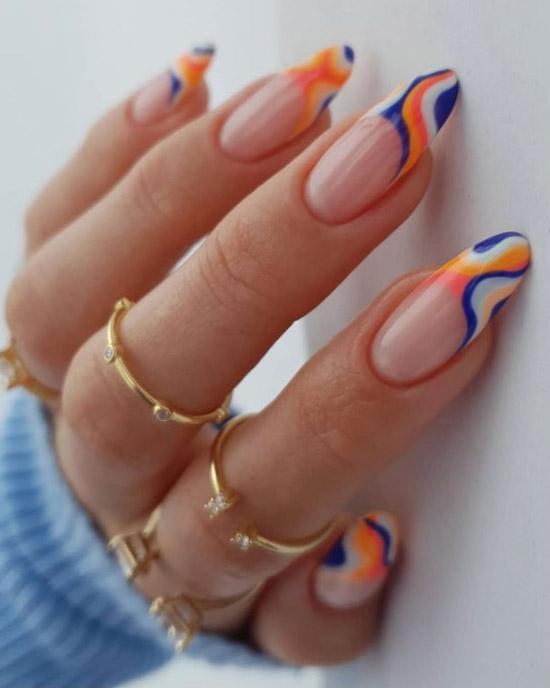 Веселый разноцветный френч на длинных ногтях