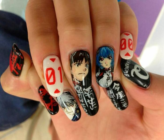 черный маникюр в стиле аниме на овальных ногтях средней длины