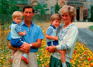 Милота по-королевски: 12 фото, когда королевские дети носили одинаковую одежду