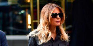 Несмотря на обычную рубашку и джинсы Мелания Трамп выглядит как настоящая леди