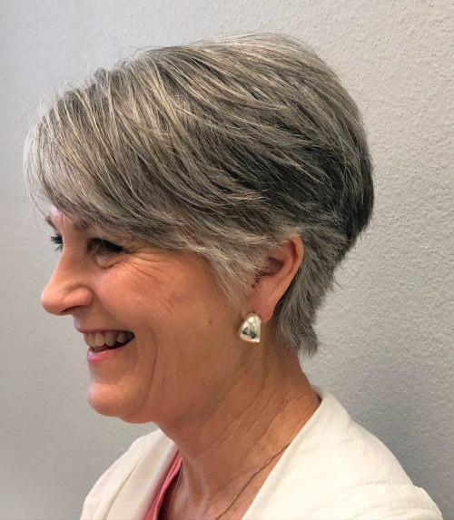 Аккуратная стрижка для седых волос