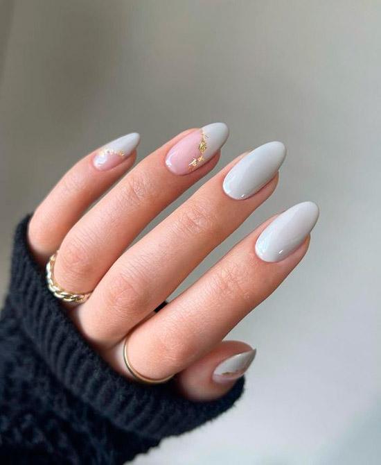 Изысканный мятный маникюр на миндальных ногтях