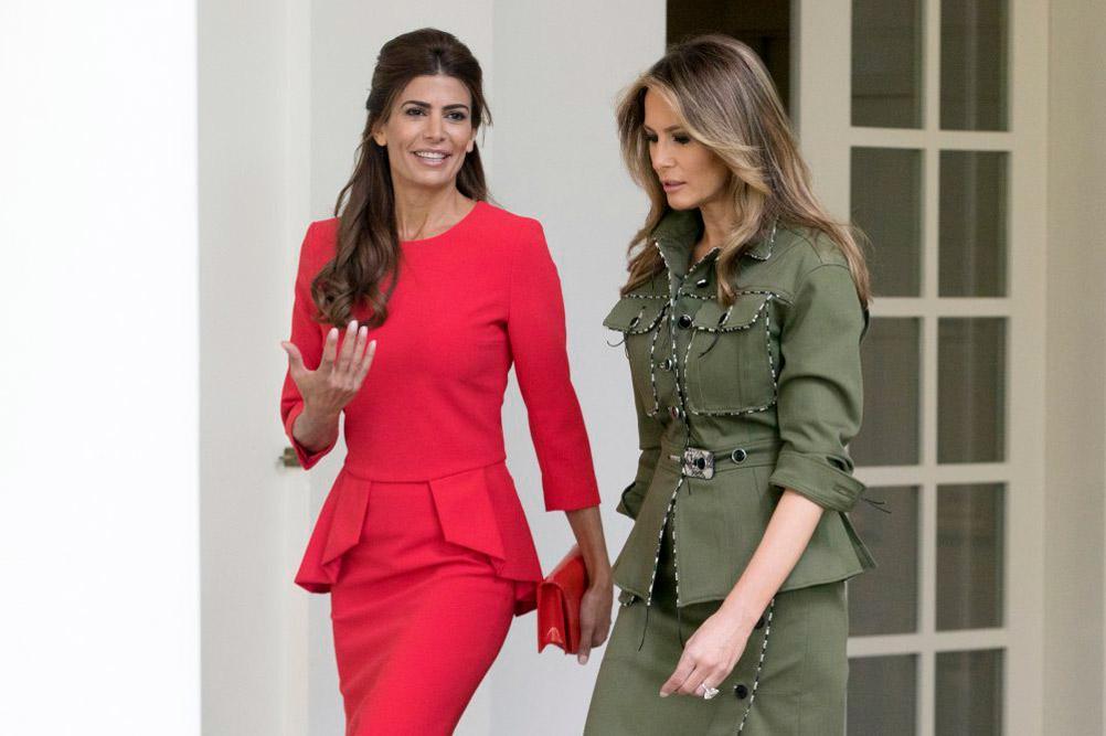Хулиана Авада в красном платье и Мелания Трамп