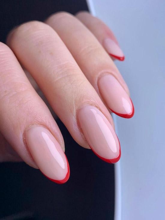 Тонкий красный френч на овальных ногтях