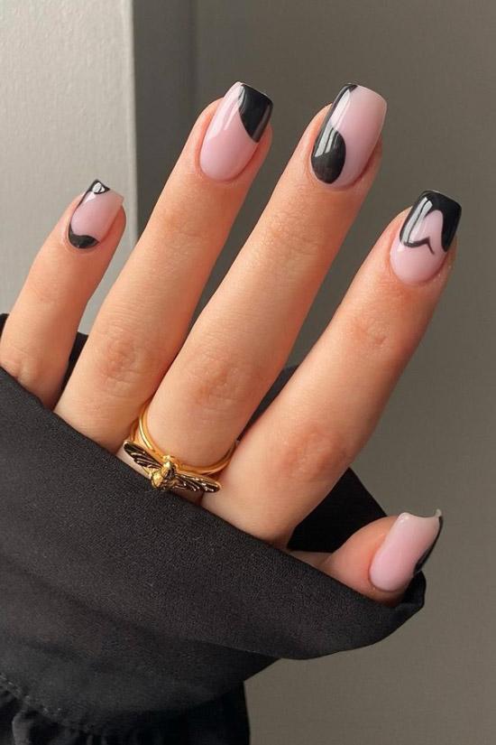 Абстрактный черный маникюр на квадратных ногтях