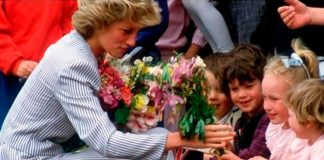 10 прекрасных моментов, за которые принцесса Диана была известна, как принцесса народа