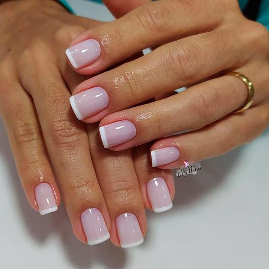 Классический белый френч на квадратных ногтях