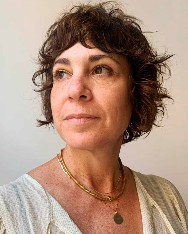Короткая косматая стрижка для женщин за 60