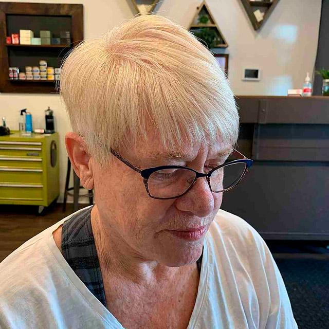 Стрижка с тонкими волосами для женщин за 70
