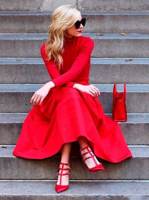 С чем носить красное платье, аксессуары, туфли, фото звезд жизель бюндхен