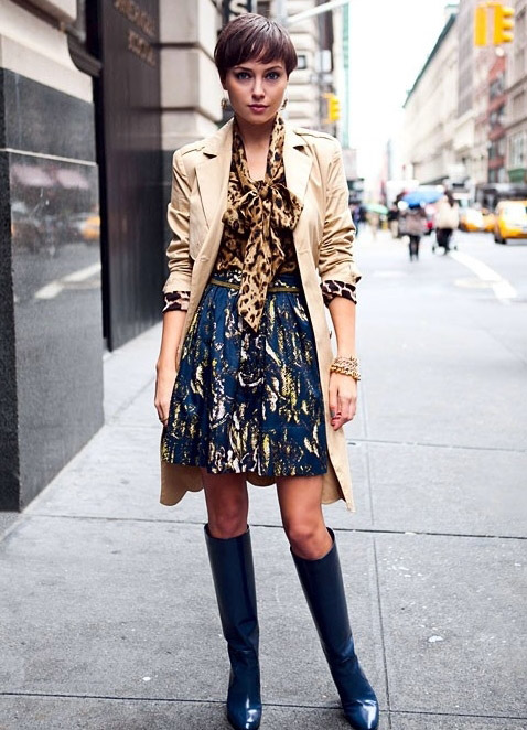 Сапоги синего цвета с чем носить